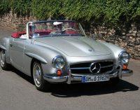 В заброшенном сарае нашли уникальный Mercedes-Benz, в котором поселились опоссумы (ФОТО)