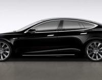 В Калифорнии электромобиль Tesla Model S в режиме автопилота снес патрульный внедорожник (ФОТО)