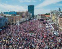 Хорватія божеволіє: футболісти повернулися героями з Росії