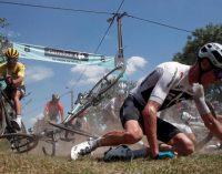 Масове падіння велосипедистів на Тур де Франс потрапило на відео